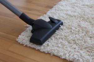 Teppich mit Staubsauger